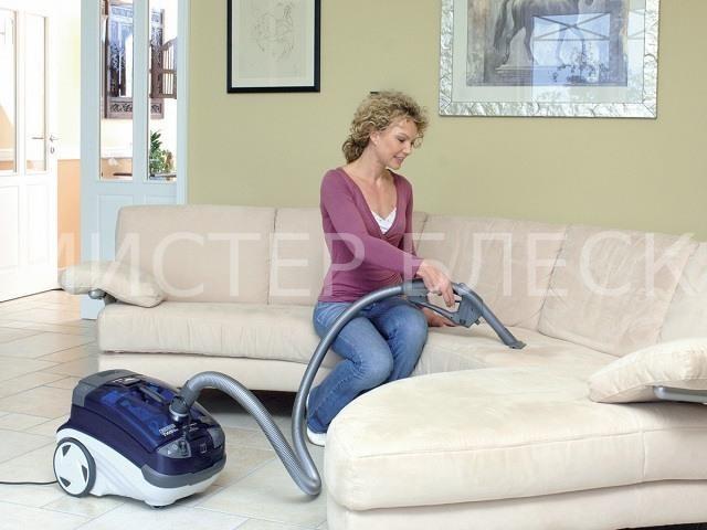 убрать запах пота с дивана
